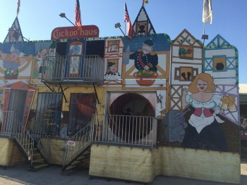 Fun House manufactured by Showme